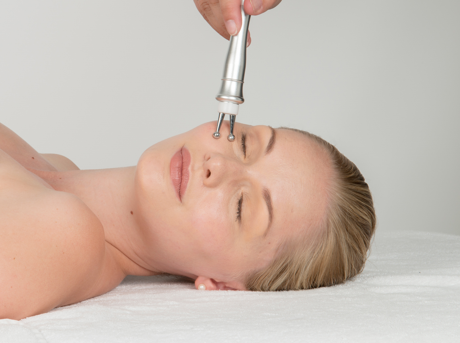 purelift plus bio micro current eyebrow lift treatments